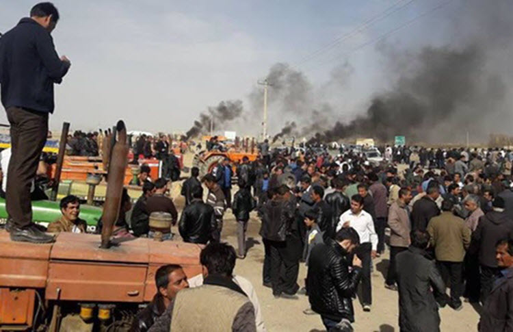 Iranian farmers protest water shortages