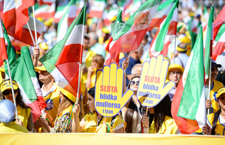 5000 rally in MEK's Stockholm rally for a free Iran