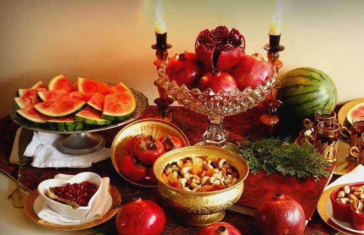 Iranian families have to pay 100,000 tomans to merely purchase fruits for Yalda ancient celebration