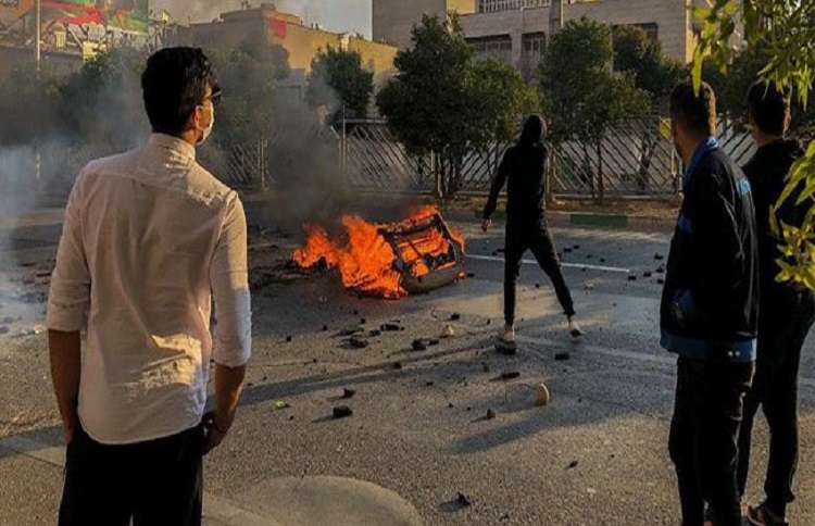 Iranian youth in Novemeber protests 2019