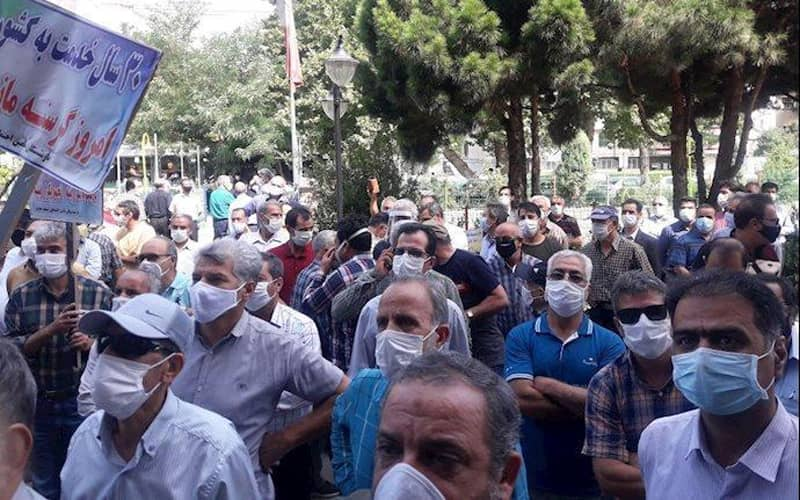 Retirees of Social Security Organization continue their rallies protesting officials' inattention to their dire living conditions